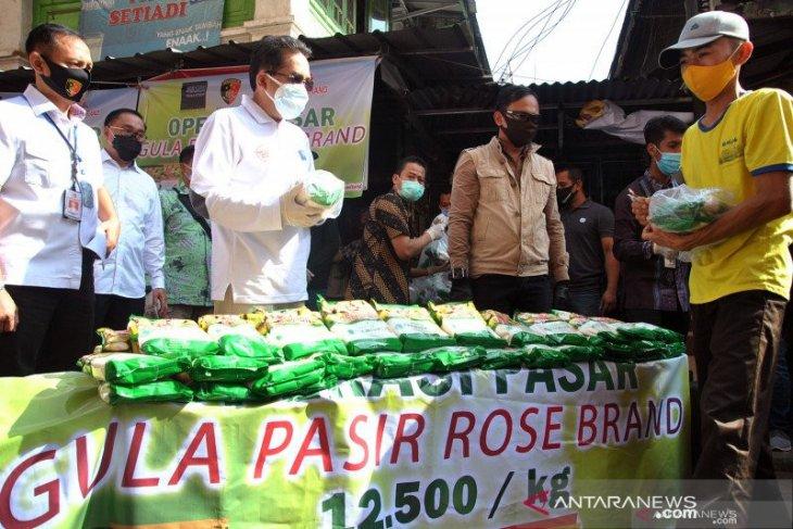 Harga gula pasir di Karawang capai Rp17 ribu per kilogram