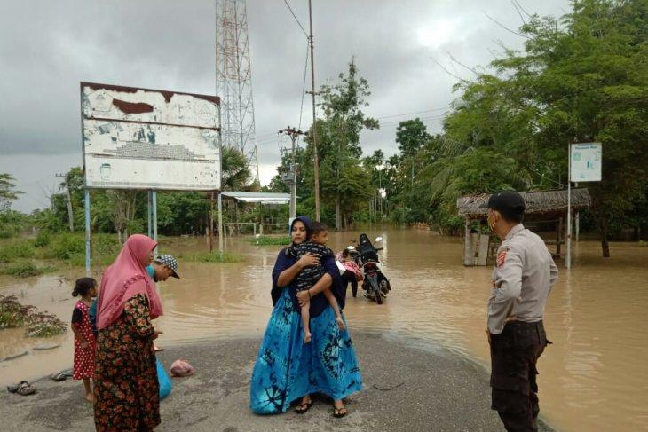 Aceh Utara dilanda banjir dengan ketinggian air hingga 1,5 meter