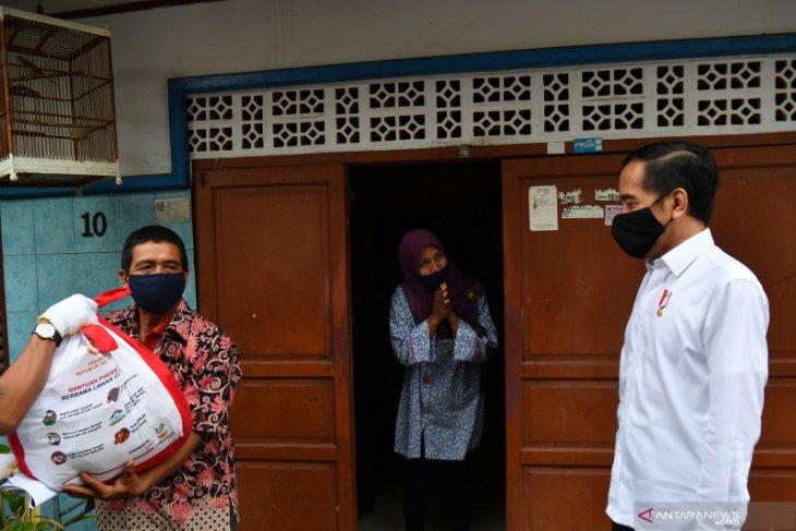 Presiden Jokowi sebut prosedur berbelit hambat distribusi bantuan sosial