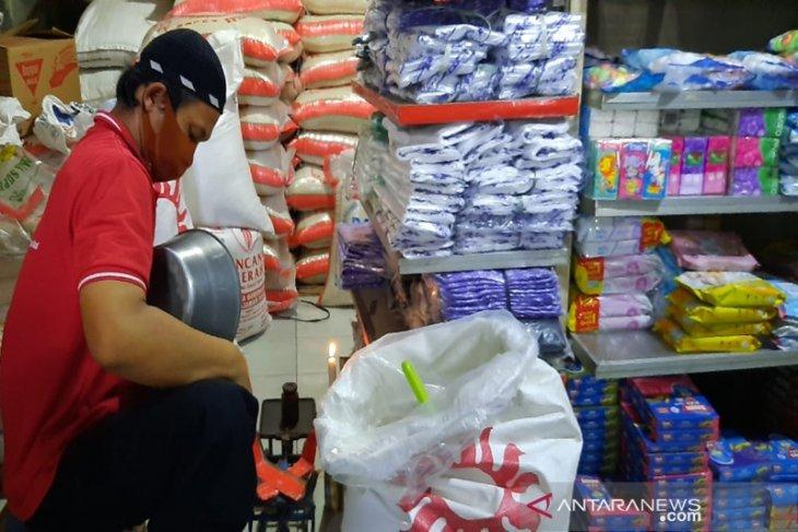 Kemarin berita menarik, inflasi turun tajam hingga Indonesia tujuan investasi