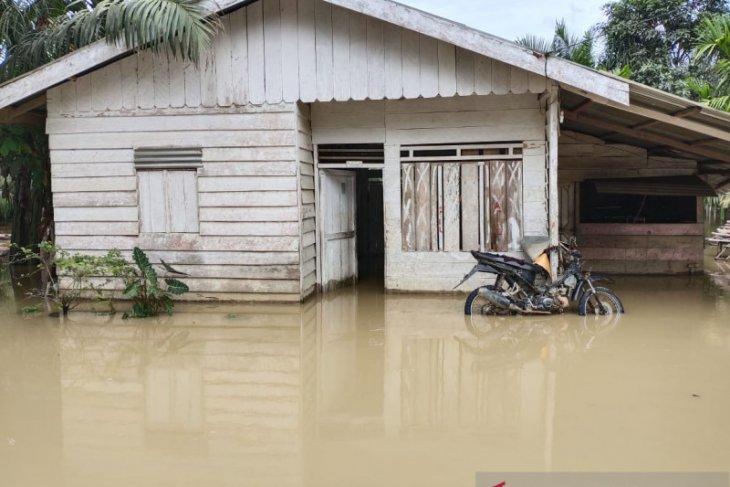 Seribuan rumah di Aceh Timur masih terendam banjir