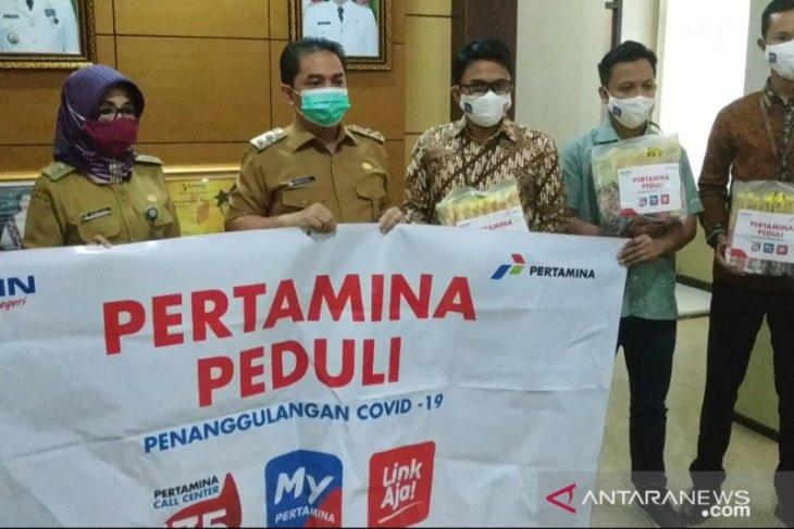 Pertamina salurkan bantuan 1.200 paket sembako di Pontianak
