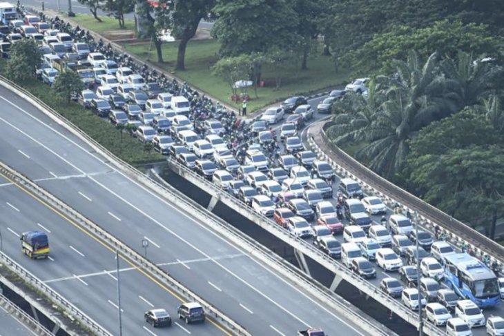 Kepadatan arus lalu lintas di Jakarta pada masa PSBB