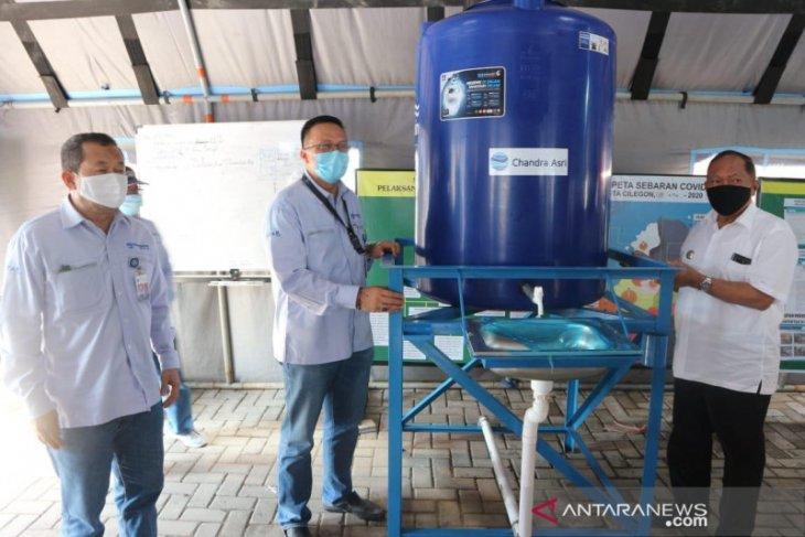 Chandra Asri-Penguin Indonesia donasikan 50 tangki air ke Pemkot Cilegon