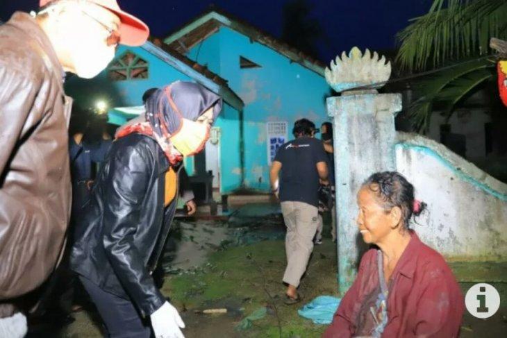 Bupati Tulangbawang Lampung tinjau lokasi bencana puting beliung