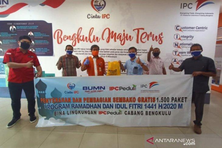 PT Pelindo Bengkulu bagikan 3.000 paket sembako dan takjil