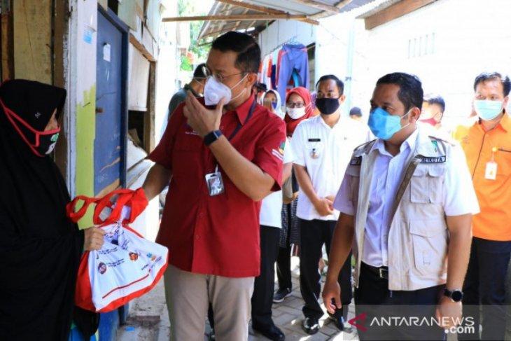 Warga  Tangerang terima Bansos tahap III dari Kemensos