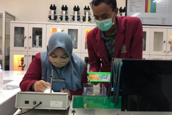 Mahasiswa UMS rancang alat sterilisasi barang belanjaan