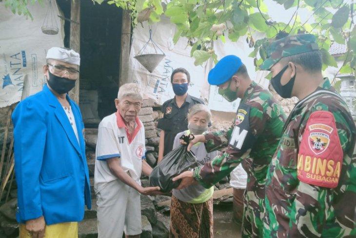 Dua desa di Karangasem-Bali terima ratusan paket sembako
