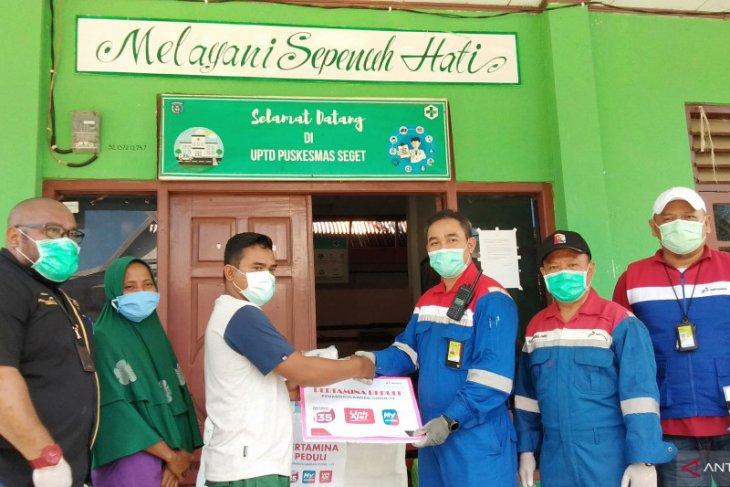 Pertamina RU VII serahkan APD bagi Puskesmas Seget Kabupaten Sorong
