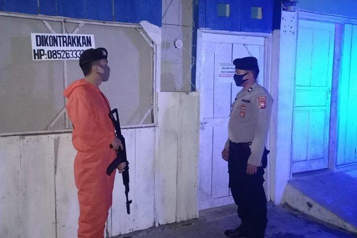 Polisi patroli cegah penyebaran COVID-19 di Mukomuko