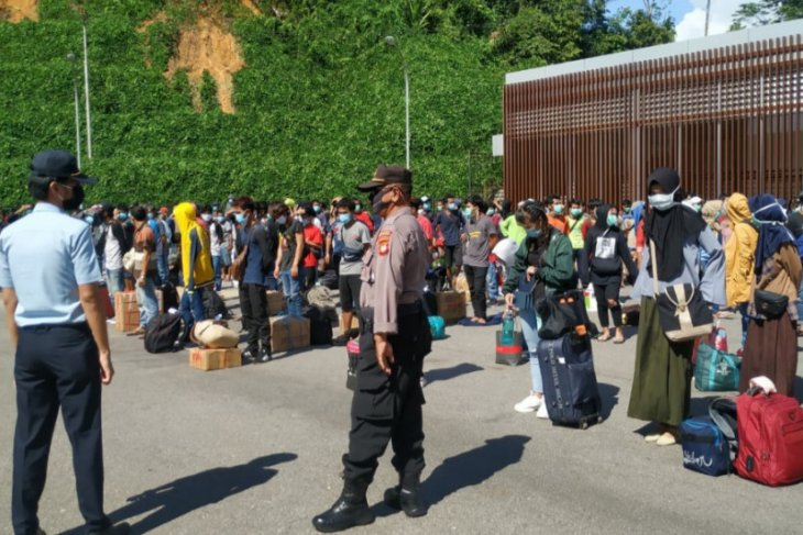 Imigrasi Semuja Malaysia kembali deportasi 142 PMI bermasalah
