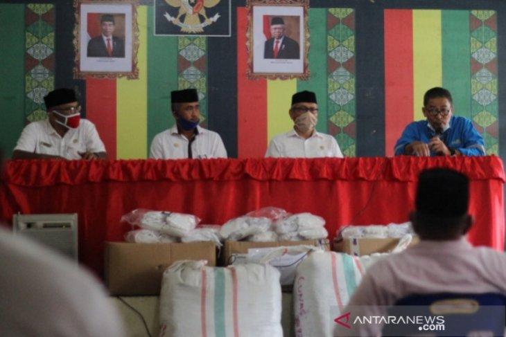 Mifa Bersaudara bagikan 12.400 masker untuk warga Aceh Barat