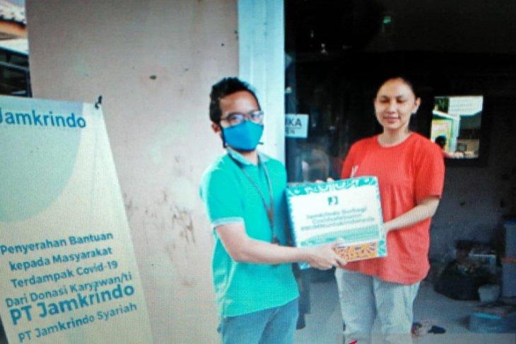 Jamkrindo Tangerang berikan bahan pokok UMKM terdampak COVID-19