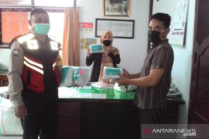 Polsek Curup awasi pembagian ribuan masker gratis