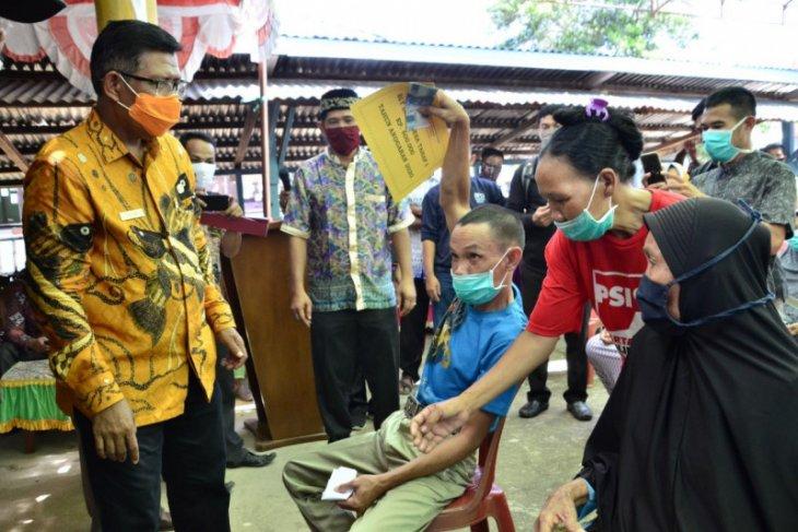 Bupati Citra harap penyerahan BLT DD tetap patuhi protokol kesehatan
