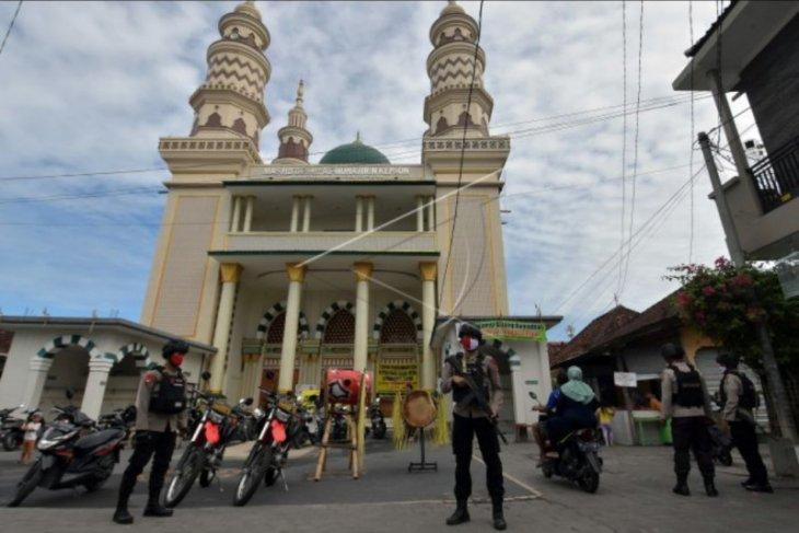 Polisi patroli jelang perayaan Idul Fitri