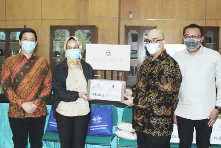 SouthCity donasikan 2.000 rapid test ke Wali Kota Tangerang Selatan