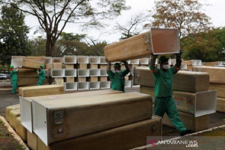 Wabah COVID-19 di Brazil memburuk saat total kasus dekati 500.000