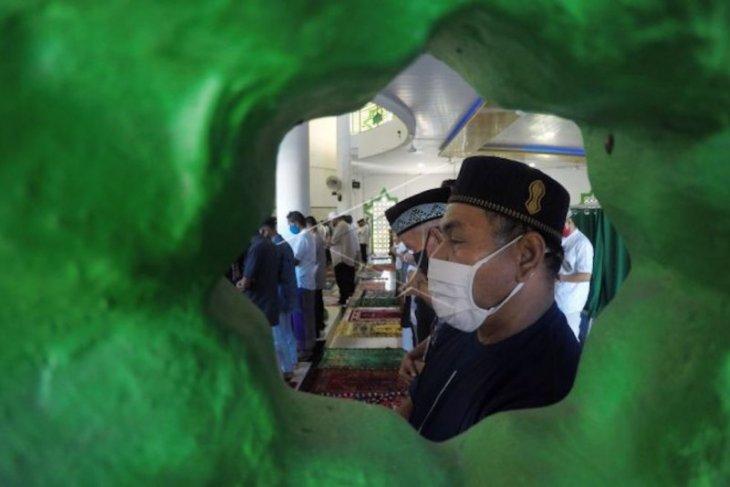 Merayakan Idul Fitri di tengah pandemi
