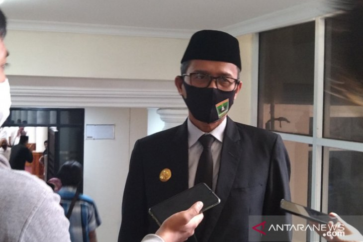 W Sumatra governor cautions public against travelling to tourist sites