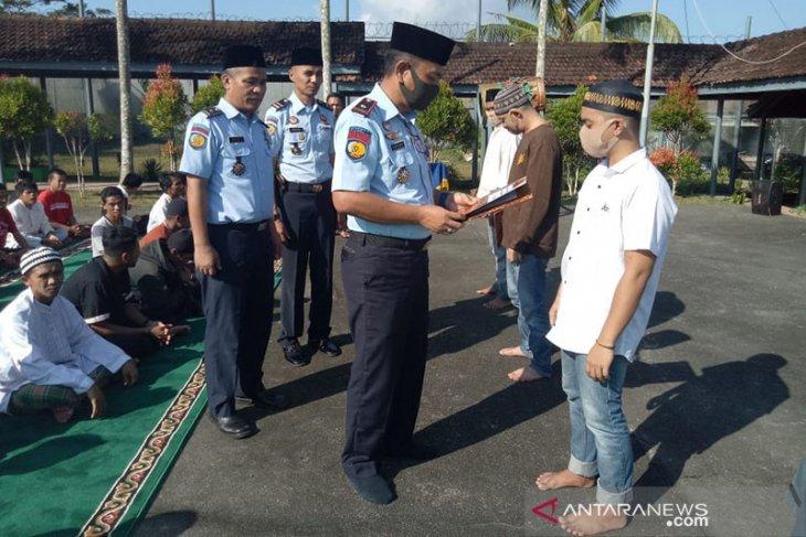 Sebanyak 12.885 narapidana di Jatim terima remisi Idul Fitri