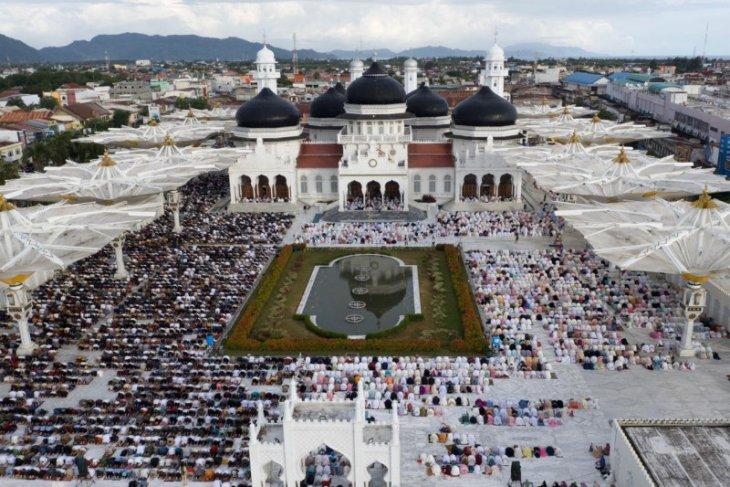 Wali kota apresiasi jamaah Shalat Ied pakai masker di Banda Aceh