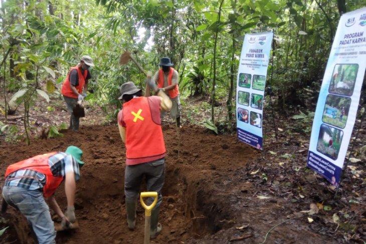 AQUA melalui Mitra Sources of Indonesia kembali perkuat fungsi kawasan pelestarian alam di Tahura