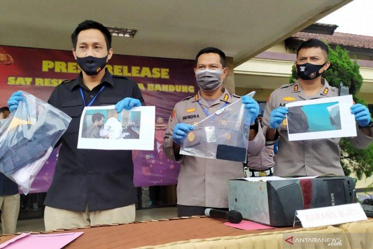 Kasus asusila oknum guru pesantren selama 4 tahun di Bandung diungkap polisi