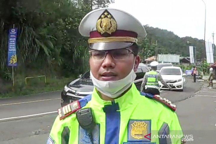 Kendaraan asal Jakarta padati Jalur Puncak Bogor pascalebaran