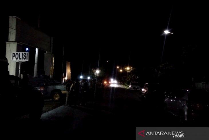 Jalur Jalinsum Batang Angkola macet pasca bentrok warga