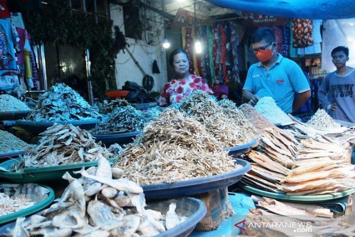 Harga ikan asin normal di Sibolga, namun sepi pembeli