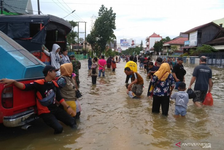 Flooding forced 605 Samarinda residents to evacuate