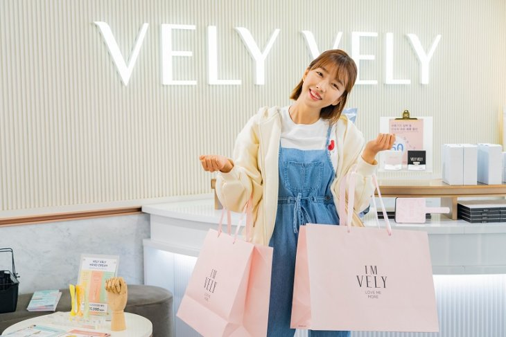 VELY VELY accelerates overseas market entry by inviting 'Sunnydahye'