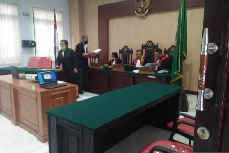 Hakim PN Ambon vonis terdakwa kasus pembalakan liar 25 tahun penjara