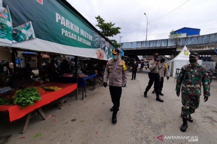 Kapolresta Banjarmasin pimpin pendisiplinan pasar tradisonal jelang normal baru