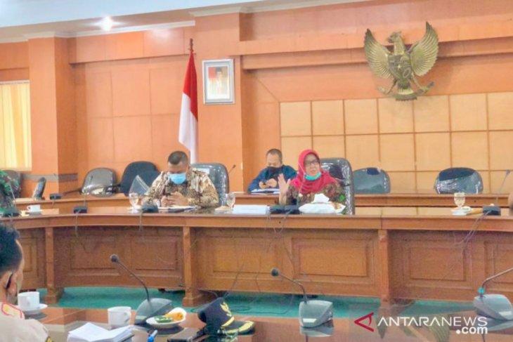 Fasilitas umum di Kabupaten Bogor akan dibuka bertahap saat penerapan normal baru