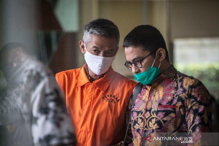 Wahyu Setiawan juga didakwa terima suap dari Gubernur Papua Barat