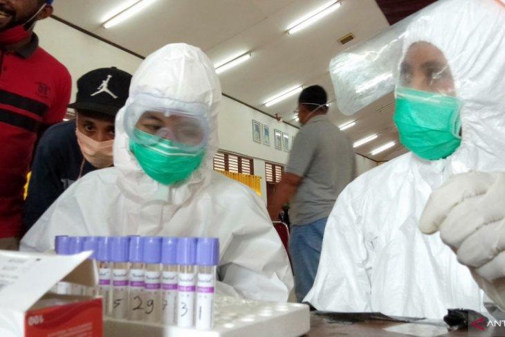 Alat pemeriksa TBC di Sorong digunakan untuk tes COVID-19