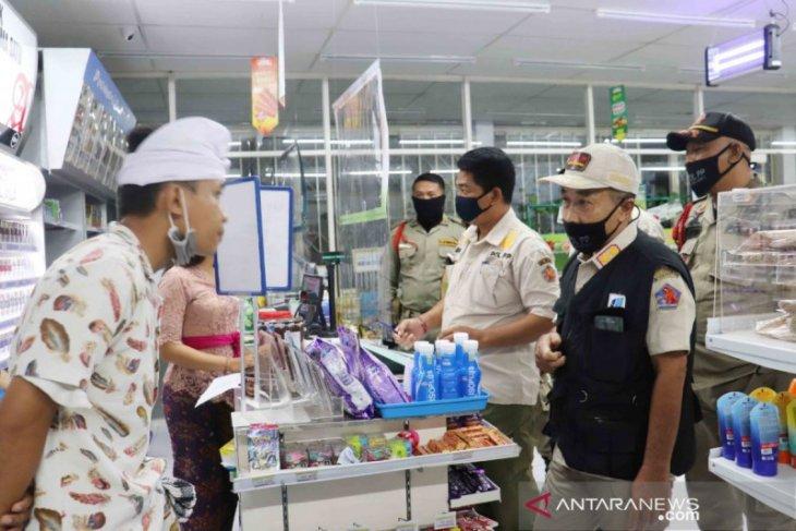 21 pemilik toko di Buleleng diperingatkan karena langgar jam operasional