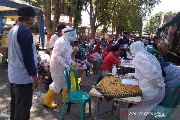 Pasar Paiton Probolinggo tetap buka meskipun ada pedagang positif corona