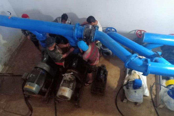 Perkuat tekanan air PDAM ganti pompa di Putussibau Selatan