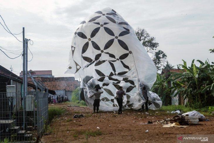 Polisi sita ratusan balon udara dan petasan