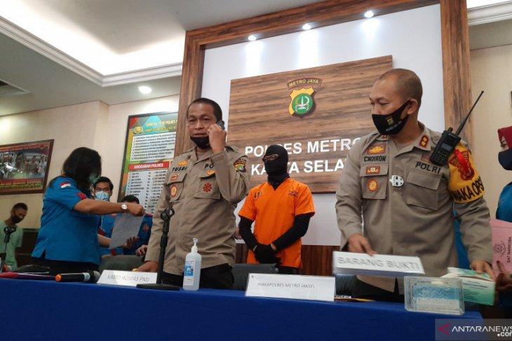 Polisi tangkap anak pedangdut Rita Sugiarto