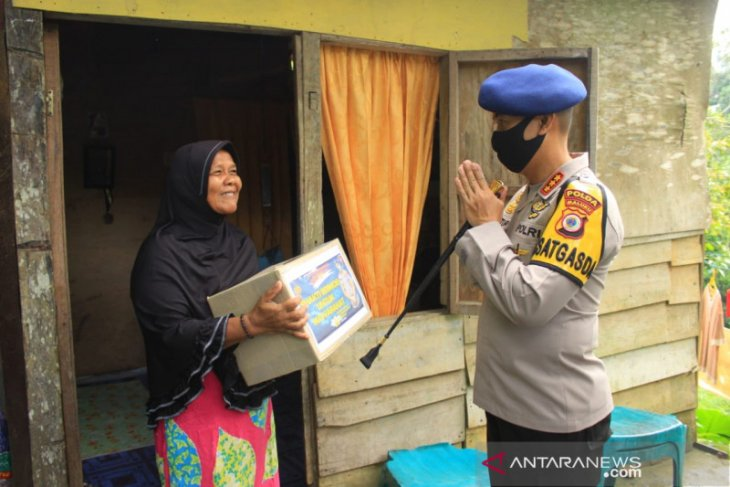 Satuan Brimob peringati Hari Lahir Pancasila dengan bakti sosial