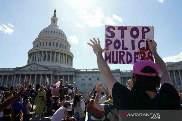 Aksi demonstrasi di AS buka mata dunia terkait demokrasi