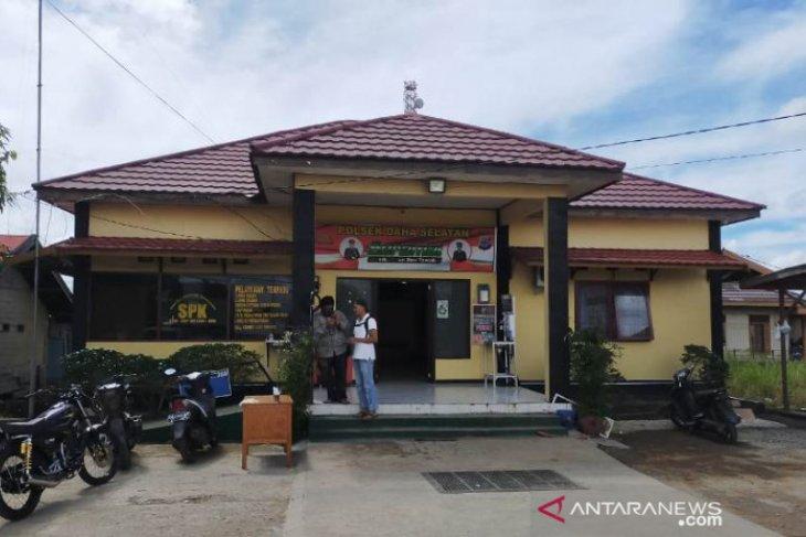 Pengamanan Polsek Daha Selatan diperketat, layanan masyarakat tetap dibuka