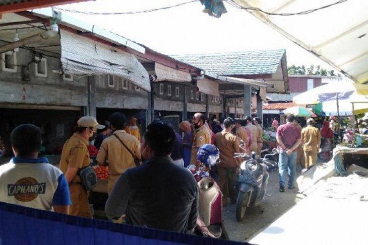 Tim terpadu tertibkan sejumlah pasar  di Gunungsitoli