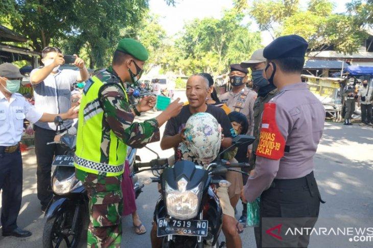 Forkopimda Bangka Barat sosialisasi wajib masker di pasar