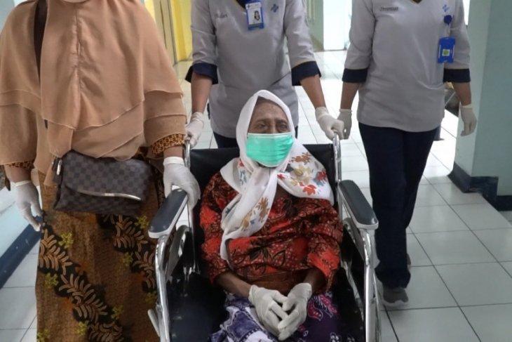 Rahasia kesembuhan nenek usia 105 tahun dari infeksi COVID-19 (Video)